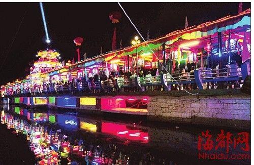 一江亭阁、十里华灯的景观,令人心旷神怡(资料图,由荔城区文化馆提供)