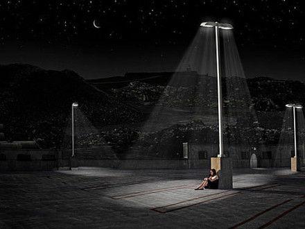 孤独感图片_男生孤独一个人黑白图片背影
