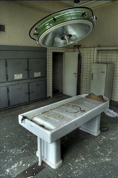 比利时安特卫普的斯库瑟尔霍夫停尸房