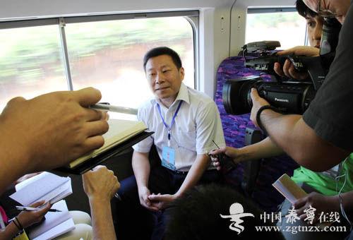 泰宁县委书记张元明是本次试乘活动中唯一一个接受媒体采访的县委书记
