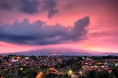 印尼爪哇茂物 每年打雷300天的世界雷都