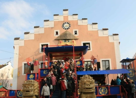 德国千年小镇自称中国城中文成小镇官方语言