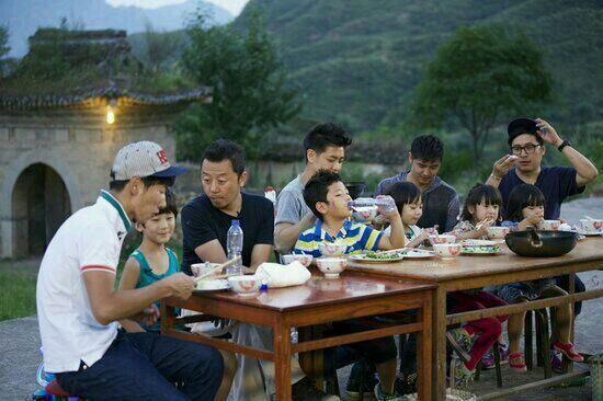 《爸爸去哪儿》热播,引起灵水村旅游热。
