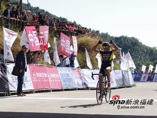 环福州·永泰自行车赛第二赛段:教练战略部署赛手勇夺第一