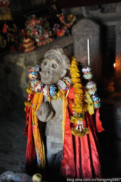 图示:顺昌宝山大圣祖庙里的猴像 摄影:泓莹2011 摄