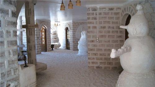 用盐砌成的酒店
