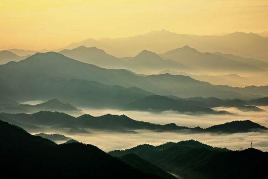 如画的云海景色