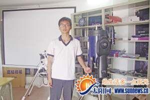 14岁的少年任育辰 记者 袁青青 摄