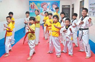 许姓男童昨晚一如往常,到林园跆拳道馆和其他同学一起练拳。