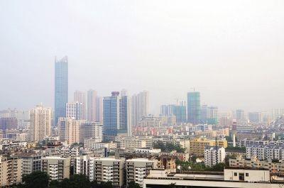 5月13日,一场阵雨过后,空气湿度很大(摄于福州乌山顶)东快记者刘兴/图