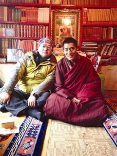 千万富翁进寺庙静修21天 放下事业自驾游西藏