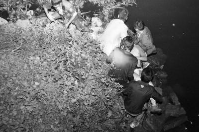 溺水男子被打捞上岸