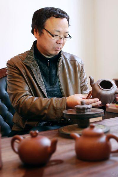 蒋彦(江苏省工艺美术大师、研究员级高级工艺美术师)