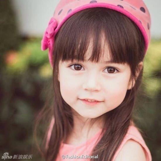 可爱混血女宝宝图片