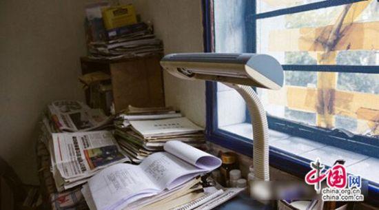 书桌组装步骤图解