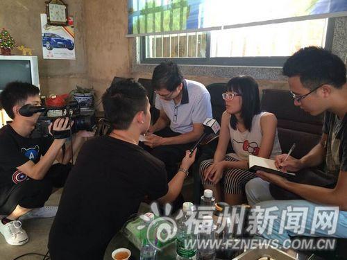 记者采访刘婉玲