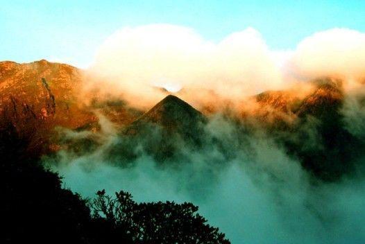 乐山峨边黑竹沟被称神秘的中国百慕大