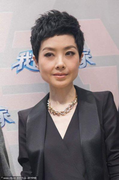 鲁豫新发型尽显帅气 网友:女汉纸个性暴露了