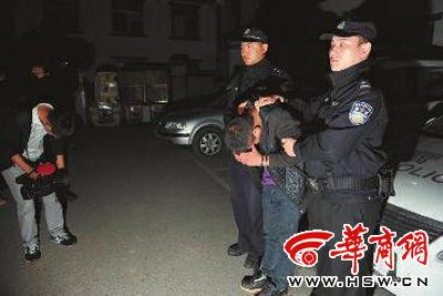 被警方抓获的岁的嫌疑人孙某 华商报记者 赵彬 摄
