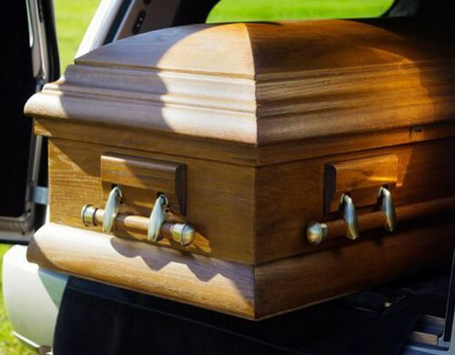 希腊女子下葬后墓中大呼救命。