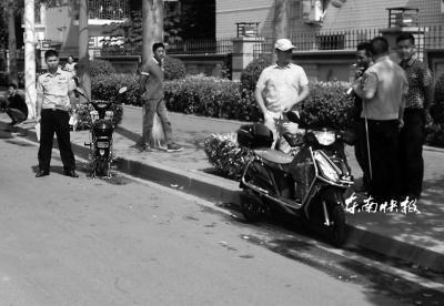 警方在事故现场调查