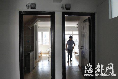 九十平方米的房子被分隔成四个套间,每间都配有独立的卫生高清图片