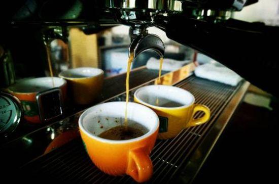 萃取香浓的意式咖啡