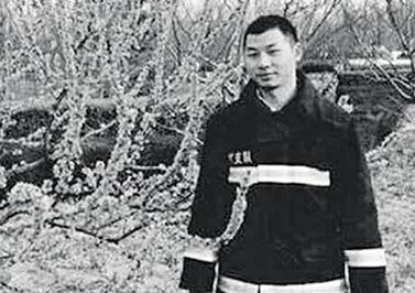 天津港事故重庆籍消防员杨钢 被公安部批准为烈士