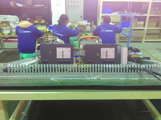 探访西南地区最大机器人生产基地
