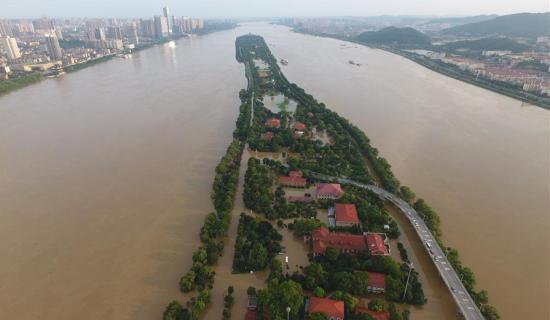 被洪水淹没的长沙橘子洲核心景区。