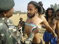 揭秘你不知道的印度征兵 雷人的体检