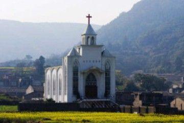 花海中的教堂