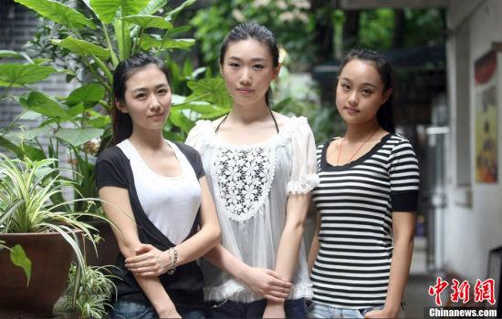 组图:国际小姐重庆三甲风波后首次素颜露面