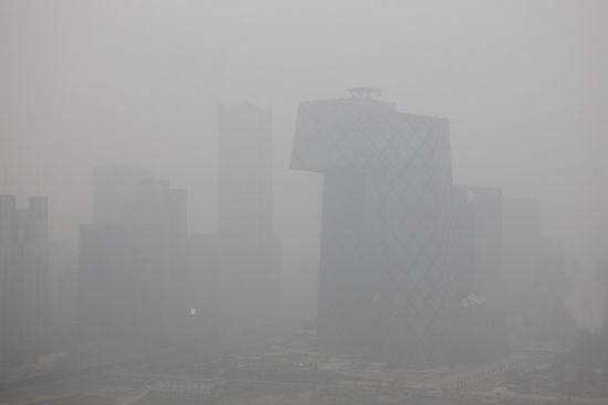 组图:雾霾继续弥漫中国多地空气污染严重