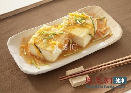 乱吃豆腐有五大害处最伤肾脏(东方ic/供图)