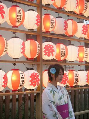 日本女人华丽和服背后的尴尬秘密