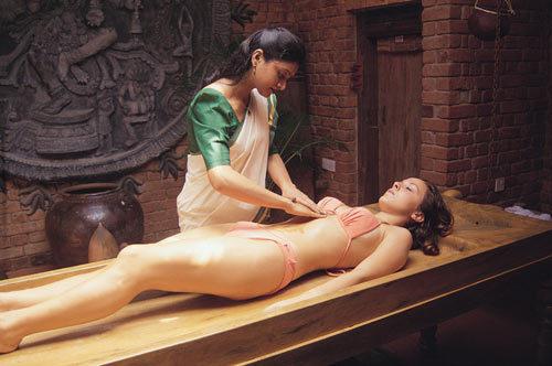 组图:神秘的古印度女体按摩