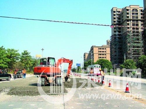 国道324线惠安段重铺后,路面将增厚40厘米。