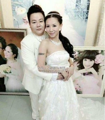 组图:深圳首对女同完婚甜蜜生活照曝光