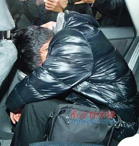 丈夫被警方带回警署协助调查。