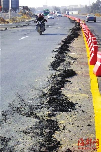 莆田疏港公路通车1月 现百米裂缝和多处坑洼