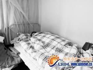 小吴仍卧病在床。记者 黄小英 摄
