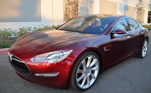 厦首批特斯拉交付车主 23位富豪不满交车程序投诉
