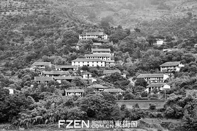 完成房屋立面改造后的梅埔村白河江自然村。