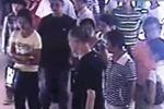 女子遭数名劫匪抢劫殴打 市民袖手旁观看热闹