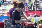 台北叫卖哥夜市叫卖玩具 月入60万