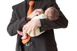 父亲哄女婴睡觉 摇晃过度致其口吐白沫而亡