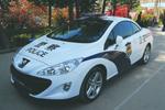 四川贫困州女警配跑车 称提升城市形象