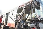 公交车故意对撞司机互殴 乘客吓尿裤子