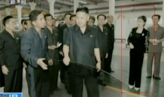 朝鲜第一夫人李雪主视察花砖厂 罕见裤装亮相